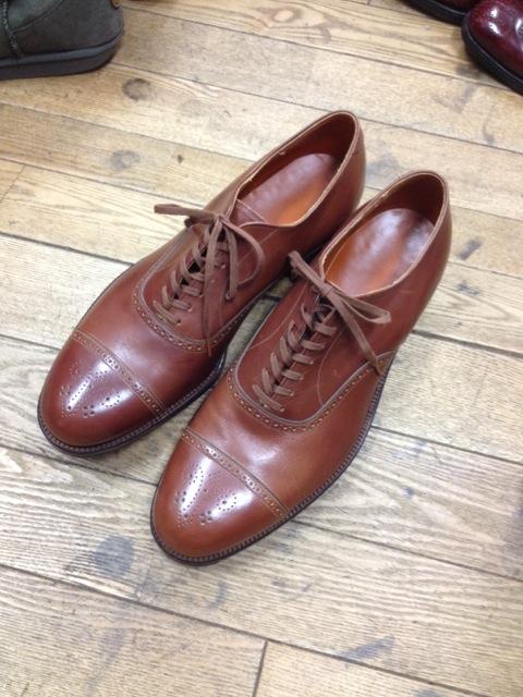 50〜60年代恐るべきクオリティのドレスシューズを生産していた。こちらは60年代モノ。 当時がアメリカ靴の生産レベルは頂点であった。